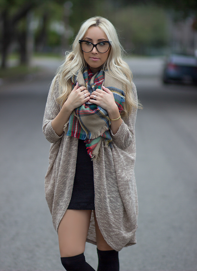 Blanket scarf | Cat Eye Glasses