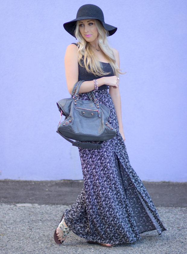 High waisted skirt / Balenciaga Bag / Floppy Hat / MAC Saint Germain