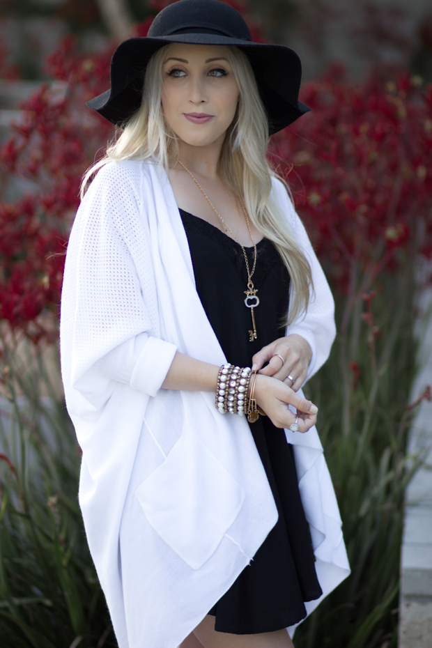 Black & White Relaxed Look || StyledByBlondie.com