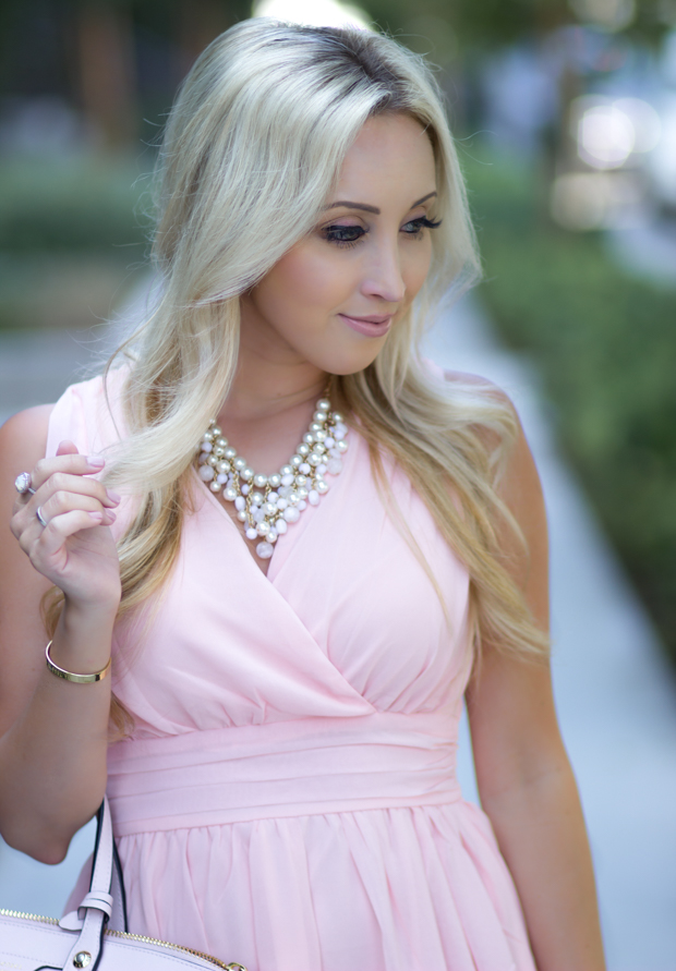 Blush Pink Dress from @themintjulepboutique | Styledbyblondie.com