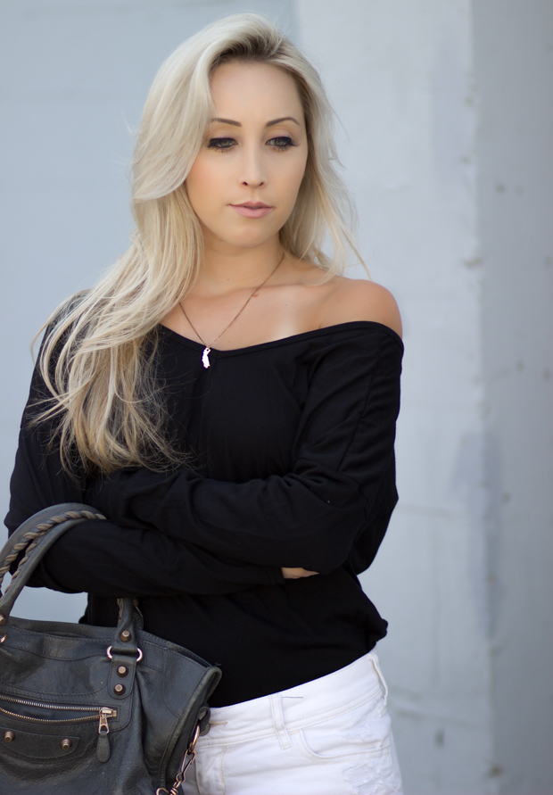 Off the shoulder + California Necklace | Styledbyblondie.com