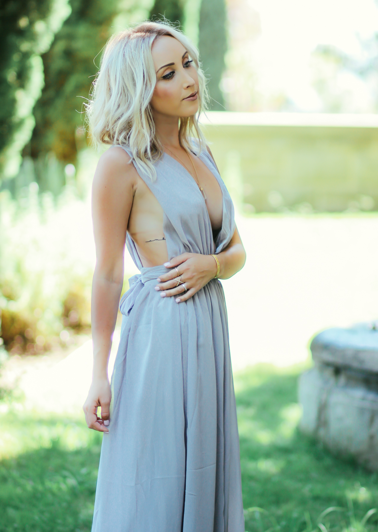 Low cut maxi dress | Styledbyblondie.com