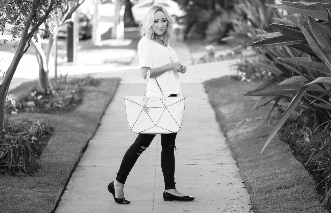 Black & White Casual Outfit | StyledbyBlondie.com