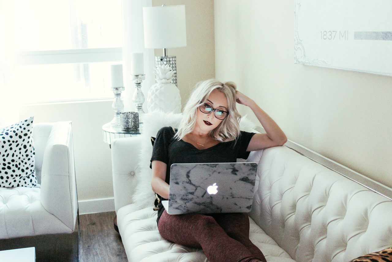 White Marble Laptop Skin Blondie In The City