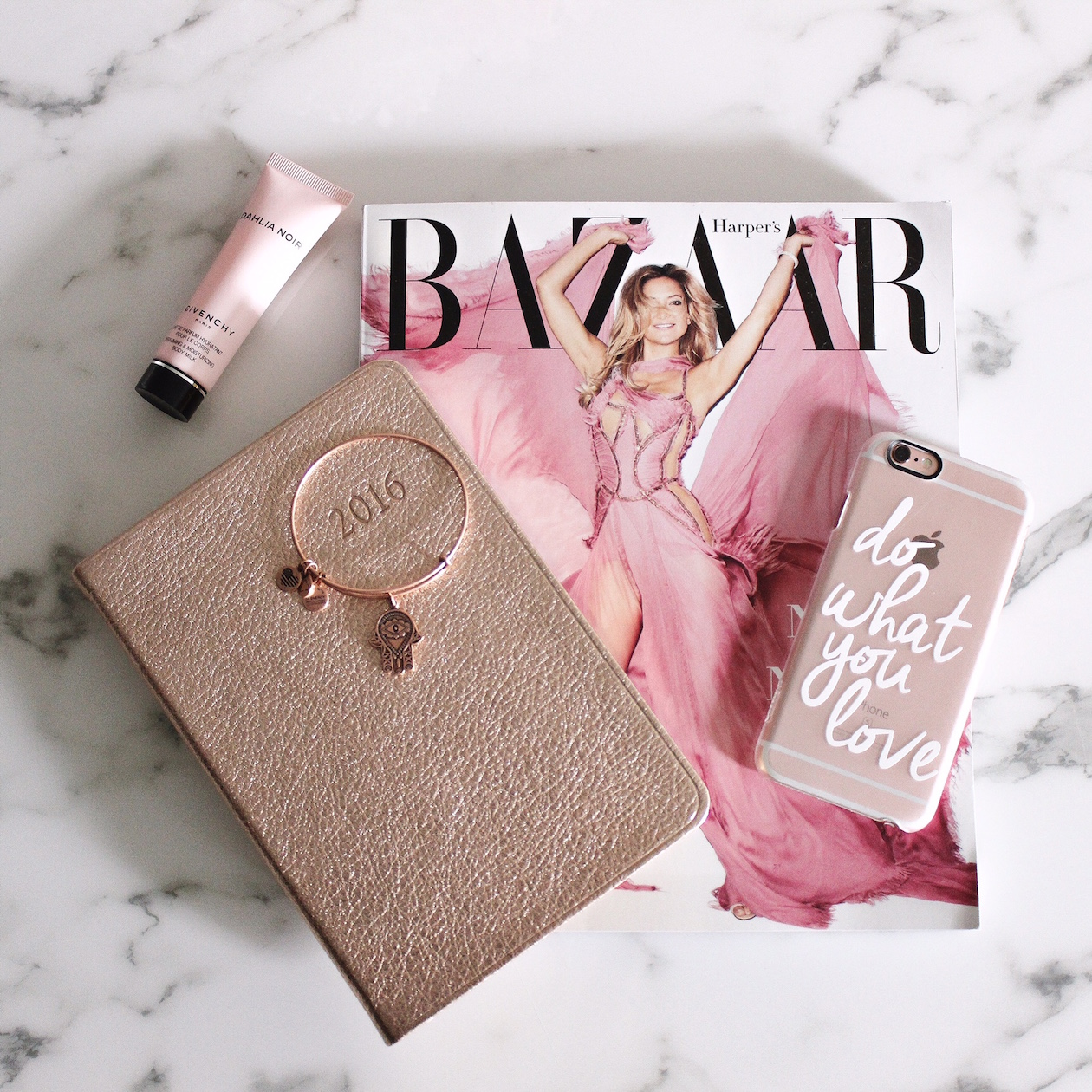 The Best website to shop for phone cases! | BlondieintheCity.com