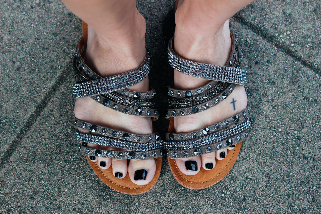 Blondie in the City | Grey Strapped Sandals