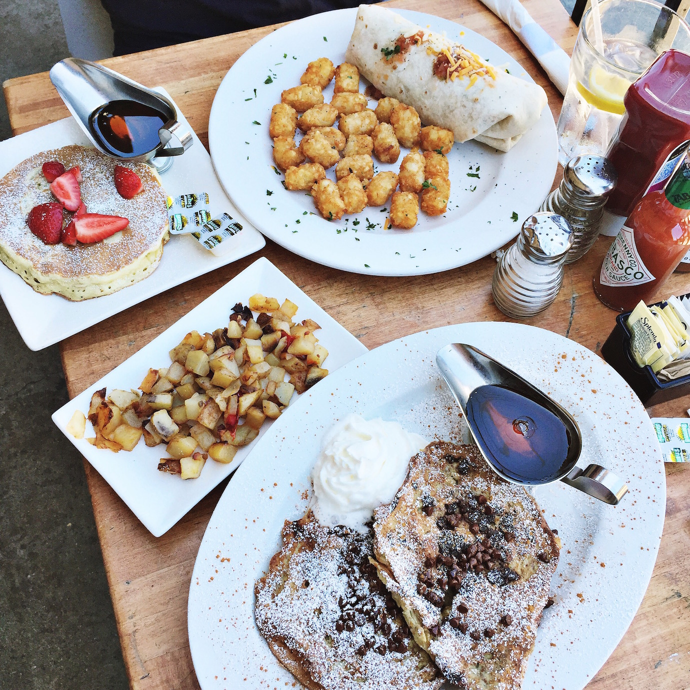 Blondie in the City | Instagram @HayleyLarue | Food, Breakfast, French Toast | Great LA breakfast spot - Jack n Jills Too