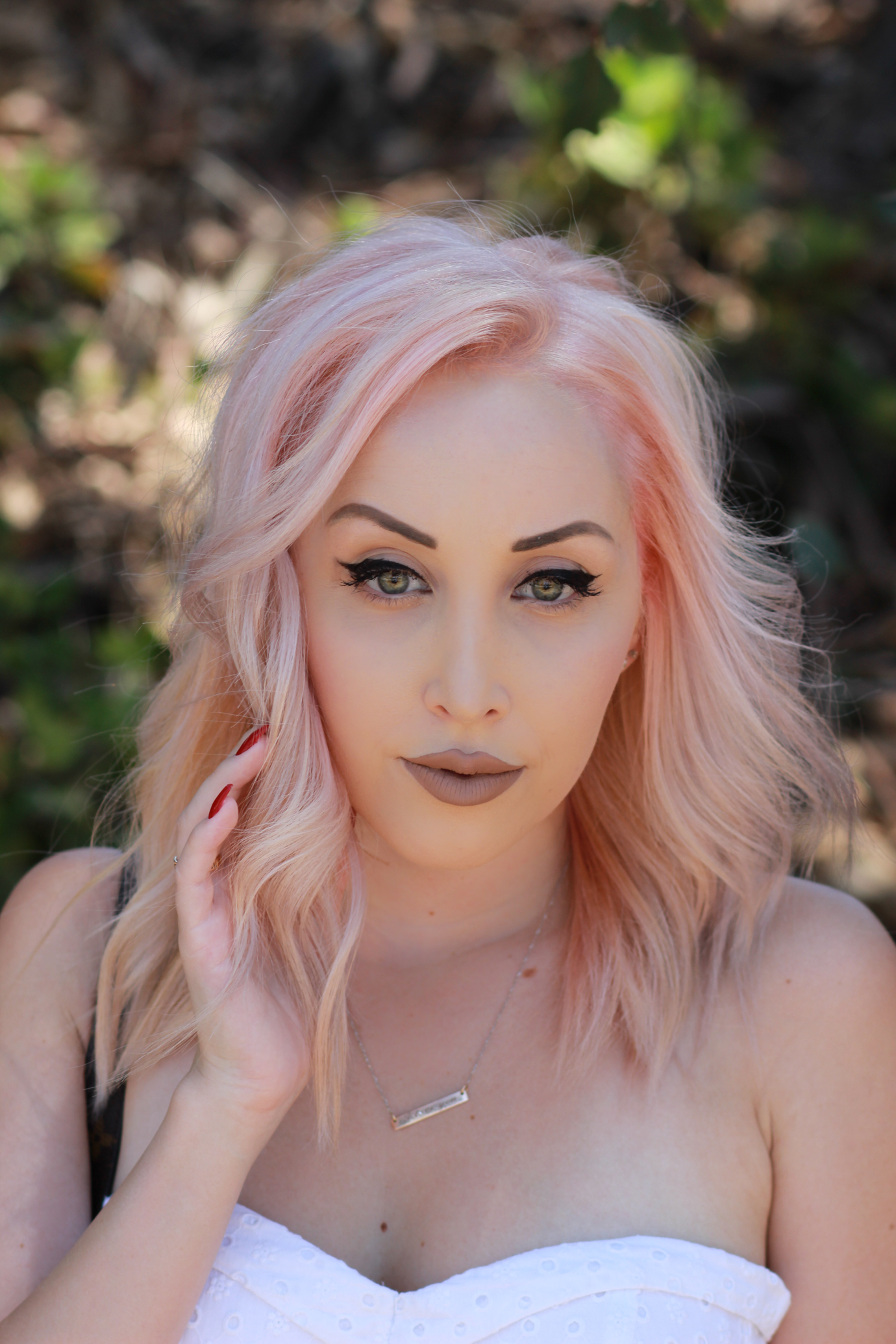 Blondie in the City | My experience getting my eyebrows microbladed | Pastel pink hair | Semi-Permanent Eyebrows