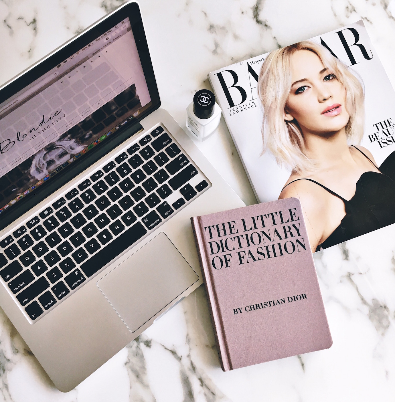Blondie in the City | Instagram @HayleyLarue | The Little Dictionary of Fashion