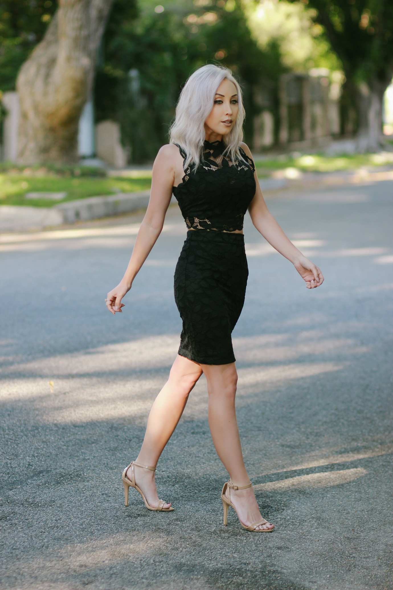 Blondie in the City | Black Lace Two Piece from @bebestores | Fashion Blogger #OOTD