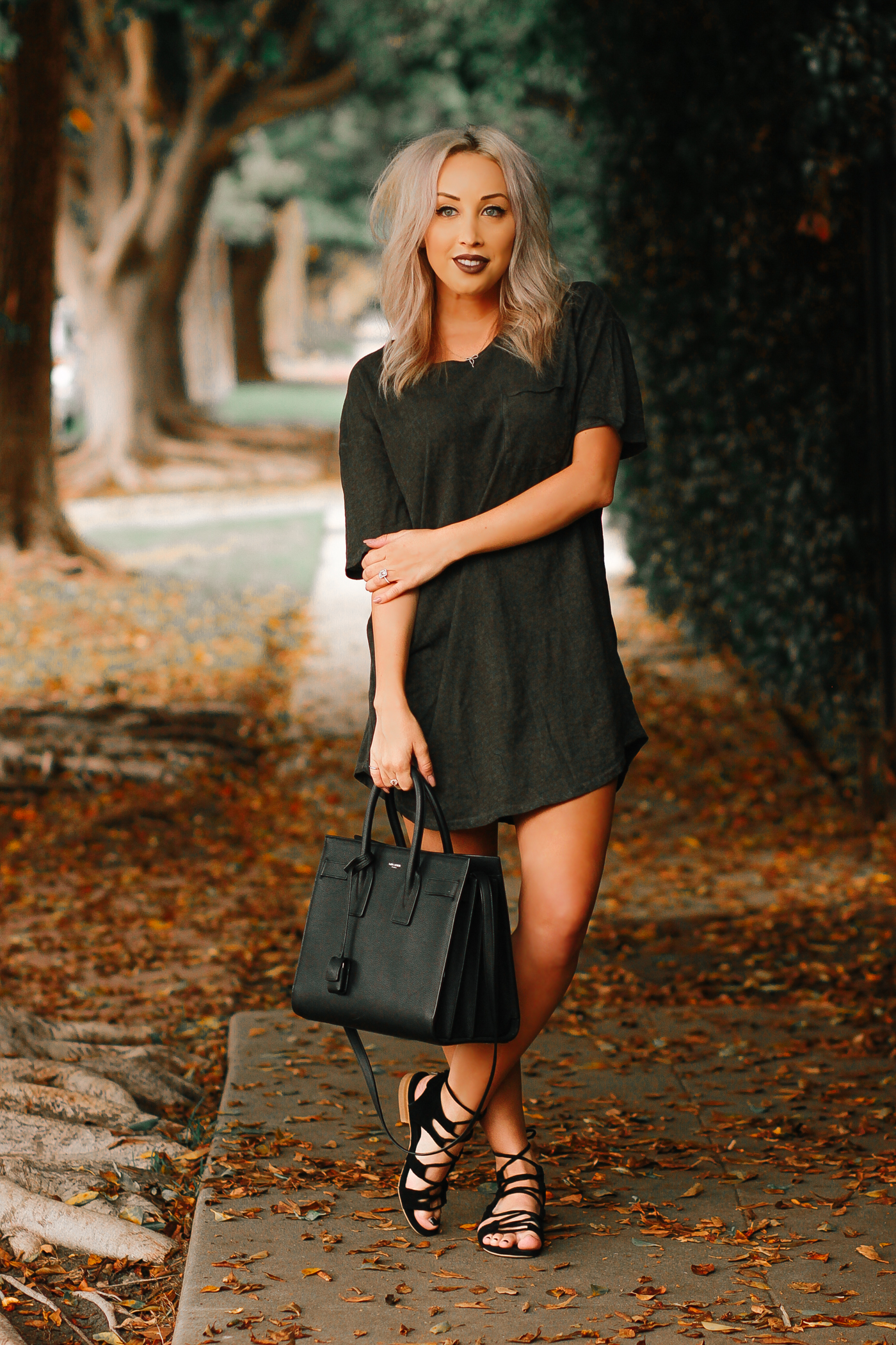 Blondie in the City | Men's Tee as a Women's T-Shirt Dress from @UrbanOutfitters
