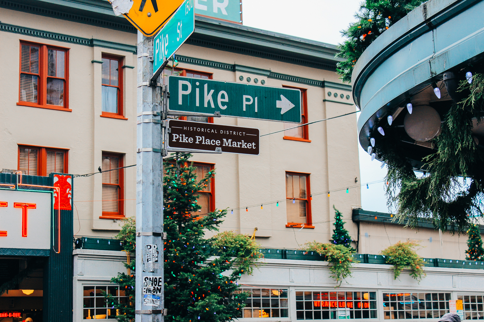 Blondie in the City | Exploring Seattle | Fall Fashion | Pike Place