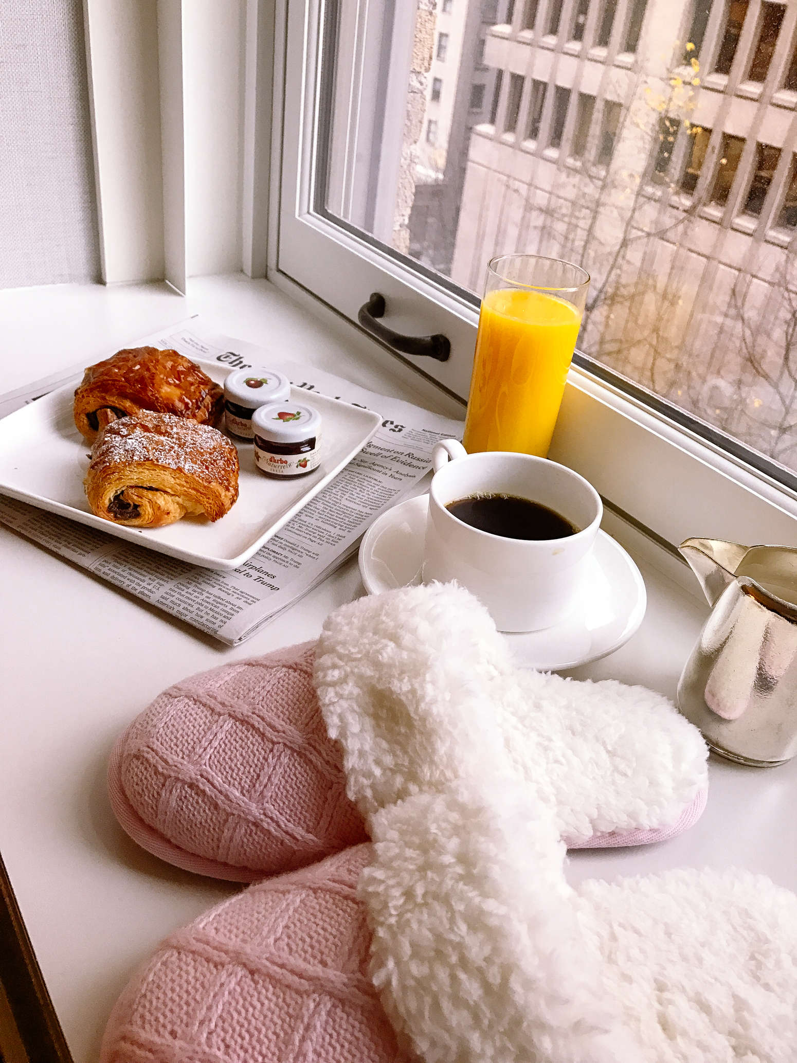 Blondie in the City | Victoria's Secret Pajamas, Room Service | Fairmont Olympic hotel in Seattle