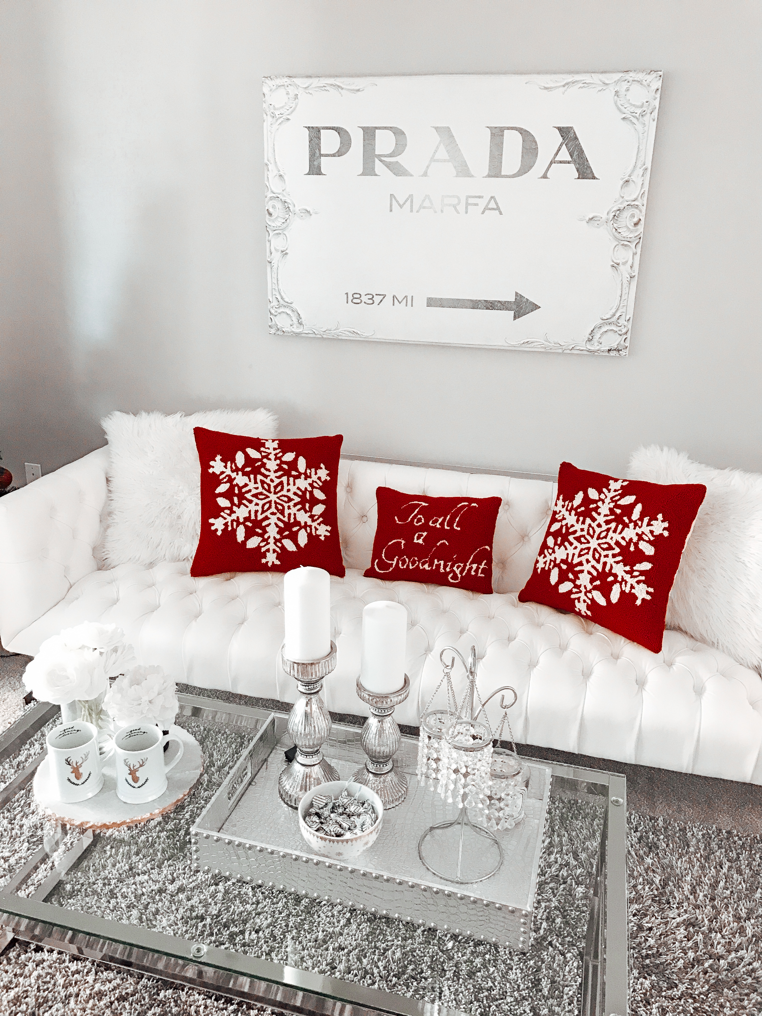 Blondie in the City | Christmas Home Decor, Holiday Decor | Red & White Decor
