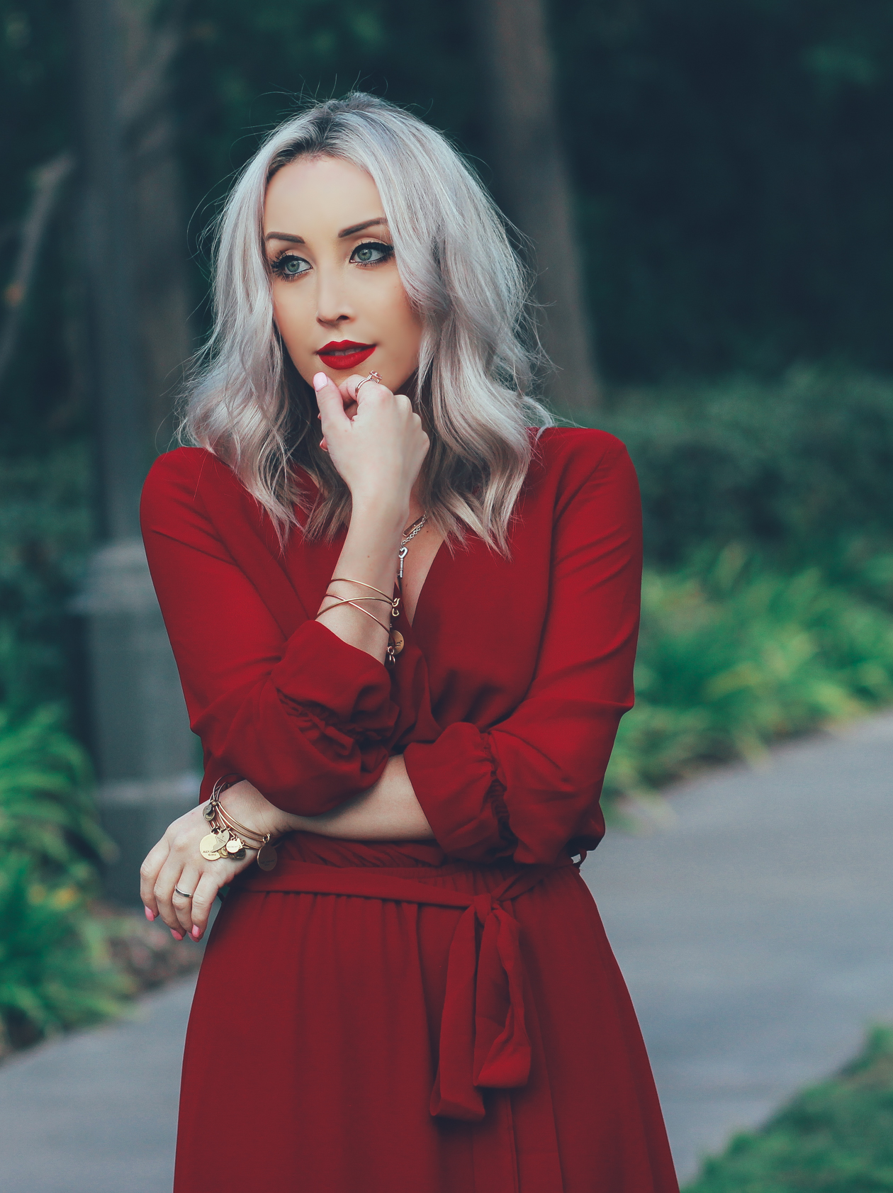 15 Beautiful Red Dress Outfits for Valentine's Day picture